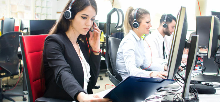 4 Ways to Answer VoIP Phone Calls Professionally at Work